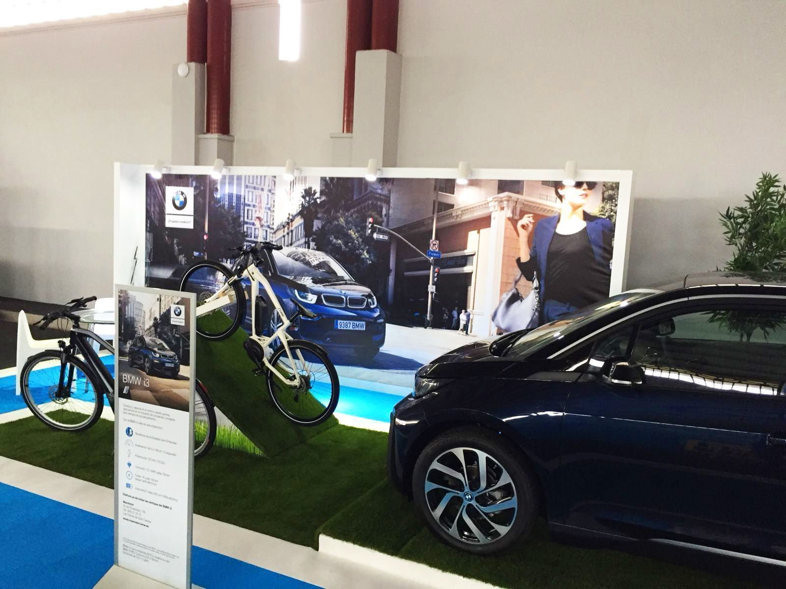 STAND BMW MARMOTOR